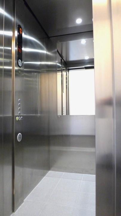 moderner Fahrstuhl
