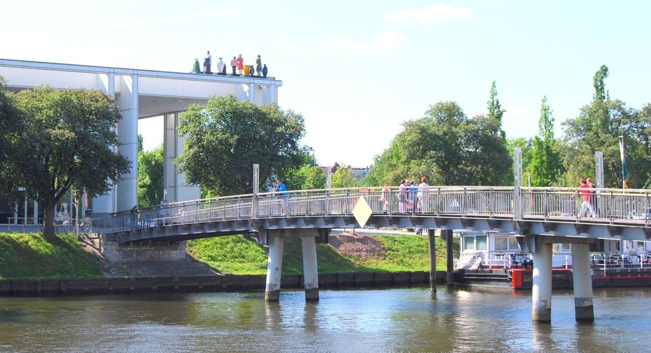 Brücke über die Trave
